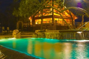 THE AVONNE LOG HOME, PRIVATE RESORT
