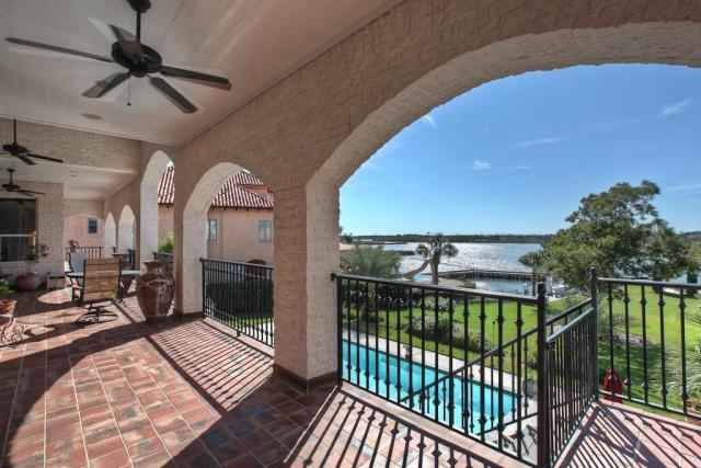 For Sale: Waterfront Estate W/360 degree water vistas $1,250,000 - League City Texas