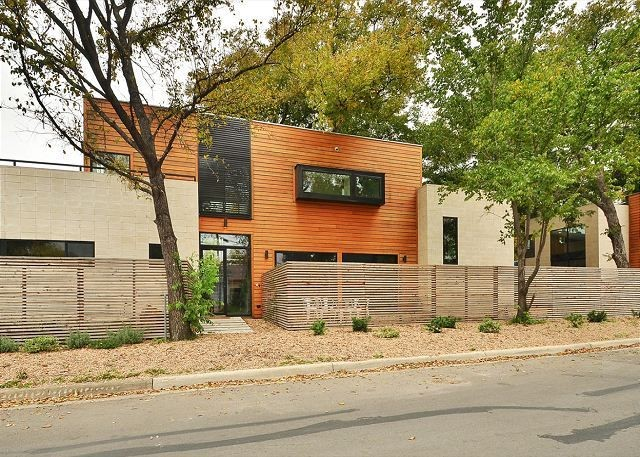 East Austin Luxury Home For Rent - Austin Texas