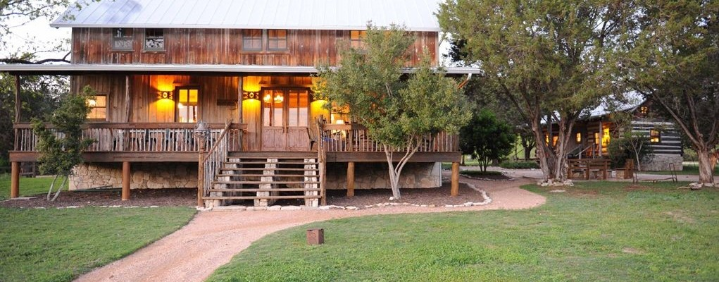 Lake Travis, Hill Country Compound For Rent – Smithwick Texas